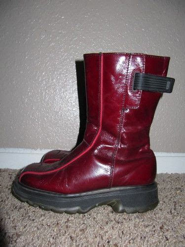 Sepatu Boot Dr Martens Dokmart Maroon Low dr martens s size 6 us uk 4 burgundy patent leather low cut boots patent leather