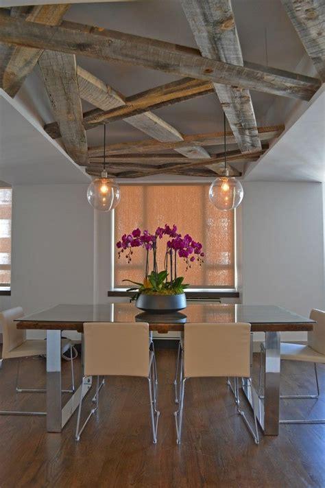 plafond poutre apparente plafond poutre apparente en bois massif table 224 manger