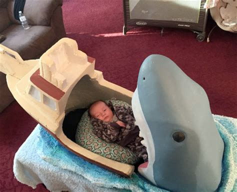 jaws baby crib
