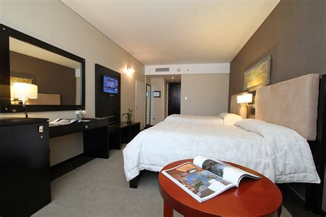 habitacion junior suite howard johnson lujan