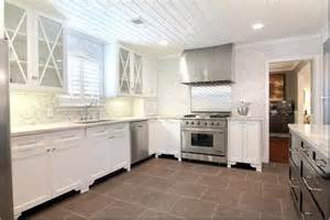 Two Tone Kitchen Cabinet Benjamin Moore S Chantilly Lace White Paint Colors