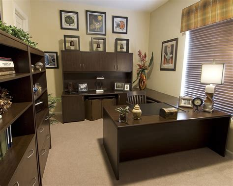 Decorating Your Home Office | creating your perfect home office decorating den