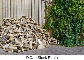 feuerholz gestell stockbilder feuerholz gestelle scheune nach