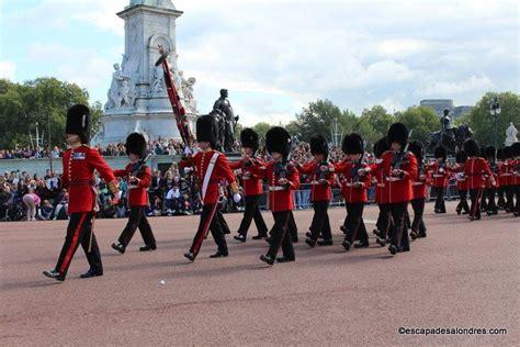 La Rel 232 Ve De La Garde Royale 224 Buckingham Palace