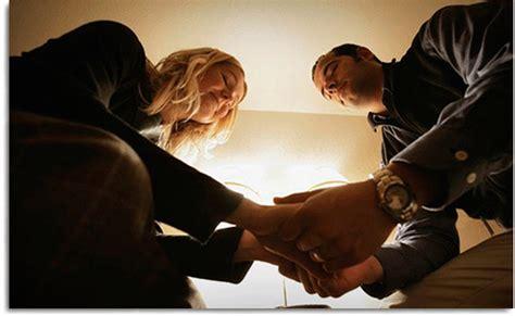 imagenes esposos orando pasos para orar en pareja