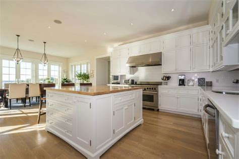 top of the line kitchen appliances for 17 5m you could own a private island in darien