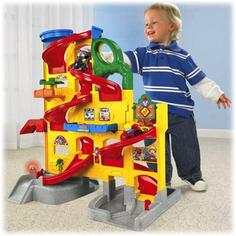 Little People Wheelies Stand N Play Rampway by Little People 174 Gro 223 E Auto Spielbahn