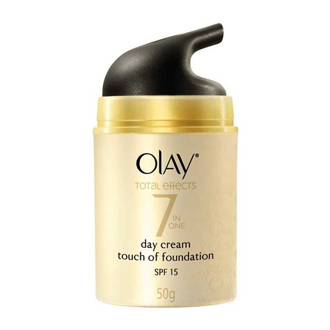 Olay Day And olay total effects 7 in one day touch of foundation