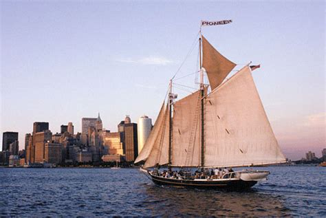 nyc boat tours south street seaport bus and boat tours new york city visitor s guide new