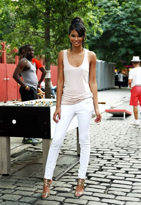 The White Jean Is All About And Summer by S White Best Summer Looks 2018