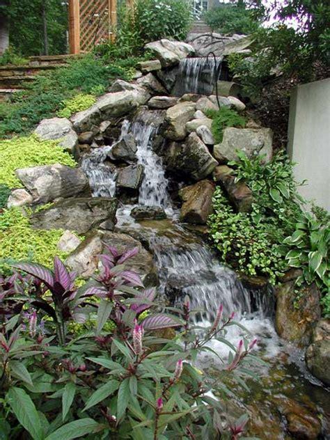 Künstlicher Wasserfall Selber Bauen 2246 by Wasserfall F 252 R Den Gartenteich Anlegen Standortwahl Und