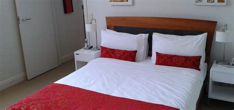 split level bedroom 3 bedroom 2 bathroom split level apartment latitude 37 serviced apartments