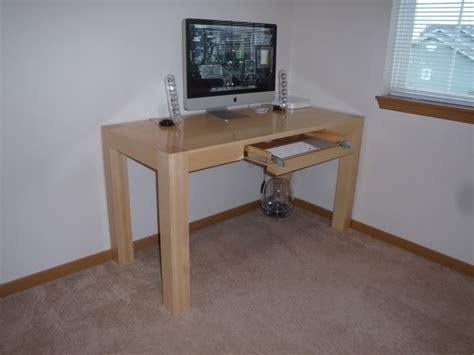 Fetzer Maple Desks by Apple Store Fetzer Table Design Macrumors Forums