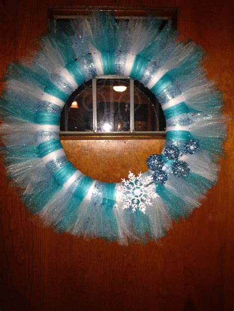 winter tulle wreath craftsdiy pinterest tulle