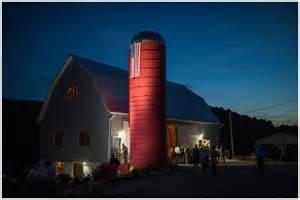 Peach Barn Julia Curt Married Red Silo Barn Wedding Photography