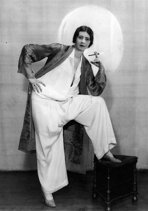 woman fashion mid 20s 1920s women fashion outbreak that happened almost 100