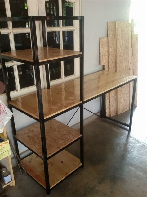 Wooden Pallet Desk With Side Shelf Pallet Furniture Plans Diy Metal Desk