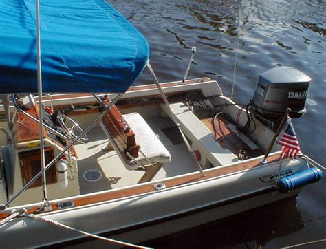 whaler boat battery dual batteries in splash well selector switch location
