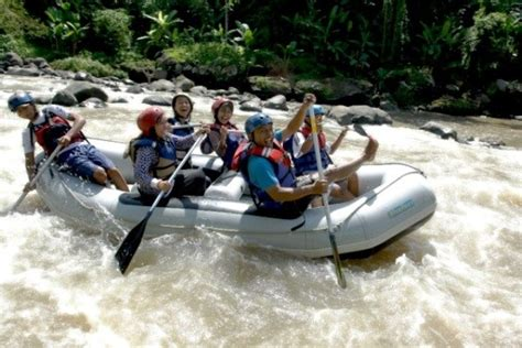 Rafting Going To Jogja Challenge Yourself Go Rafting In Yogyakarta Cush Travel
