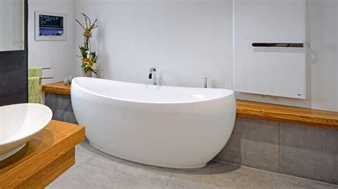 zimmer mit badewanne für 2 optimale und individuelle badausstattung bei die badgestalter