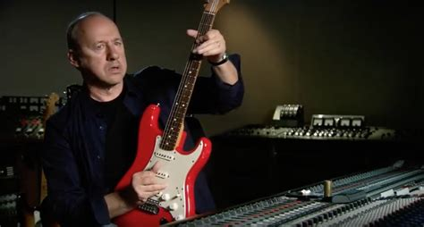 An American Knopfler Knopfler Gives A Masterclass On His Favorite Guitars Guitar Sounds Open Culture