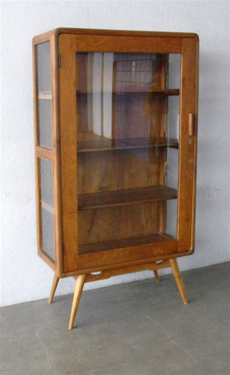 photo display cabinet