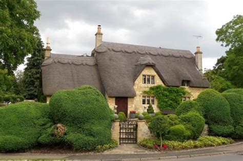 best villages in the cotswolds an extended guide to the cotswolds best villages