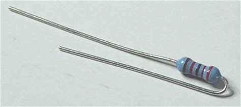 resistor directionality common component mounting
