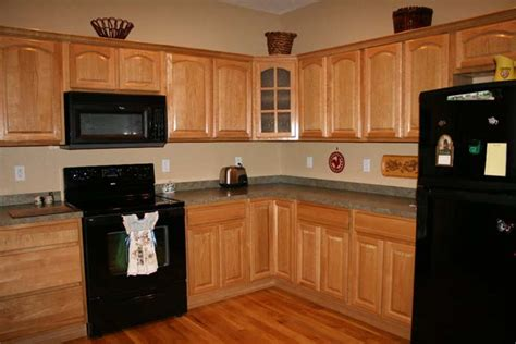 kitchen paint colors with oak cabinets and black appliances kitchen paint colors with oak cabinets is easy to find