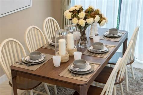 super casual everyday kitchen table setting and centerpiece ideas weddingbee