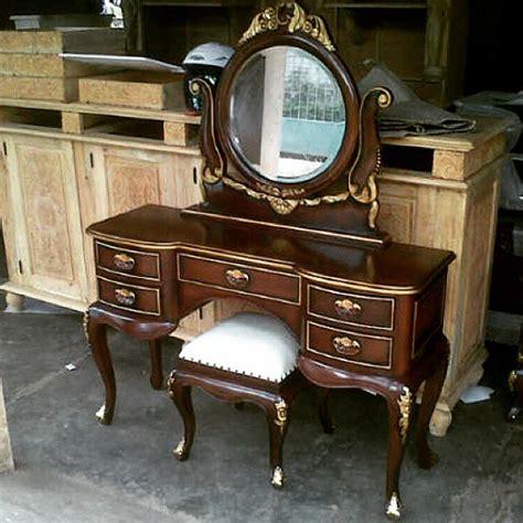 Satu Set Meja Kursi Rias Jepara Kayu Jati Free Ongkir Furniture Murah meja rias klasik kayu jati cahaya mebel jepara