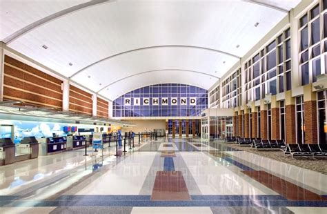information on major and regional commercial virginia airports