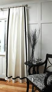 White Curtains Black Trim On Color Splash They Did White Black Curtains But The 4 Quot Border Went All The Way Around Like A
