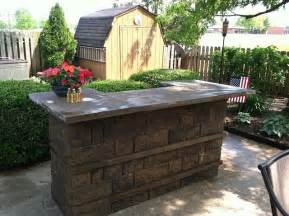 Fire Pit Retaining Wall Blocks - outdoor kitchens and bbq surrounds traditional patio other metro by allan block