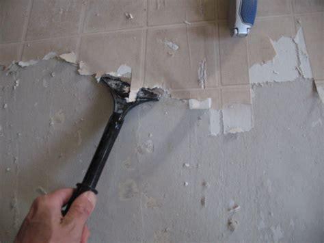 Remove Vinyl Flooring by Removing Vinyl Flooring With Scraper