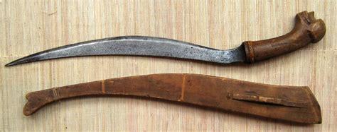 Bolo Knife Pisau Bolo Knife Bolo Pisau Bulat Pisau Ppotong Buah file visayan talibong knife 1 jpg wikimedia commons