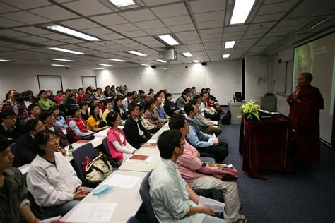 Hong Kong Mba Scholarship by Free Course On Spoken Communication By