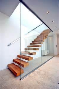 accessoire pour re d escalier escalier suspendu minimaliste 224 232 ve kozac