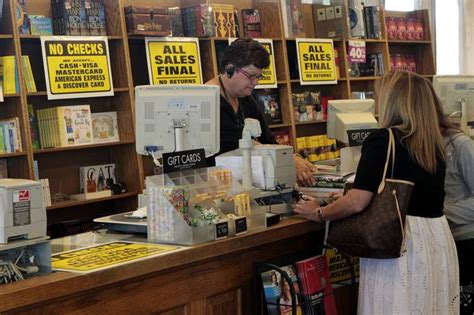 Borders Books Gift Cards - unused borders gift cards spur fight wsj
