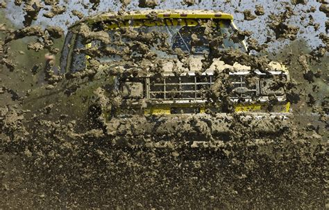 monster truck mud bogging videos top mud racing wallpapers