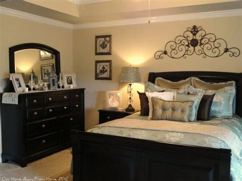 bedrooms with dark furniture 25 best ideas about classy bedroom decor on pinterest
