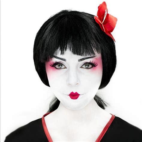 Kimono Maskara china geisha makeup mua white