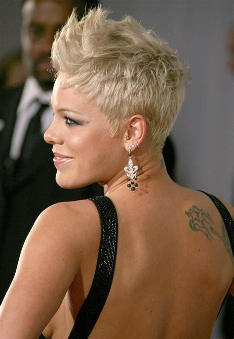 singer hairstyles why it is not the best time for pinks hairstyles pinks