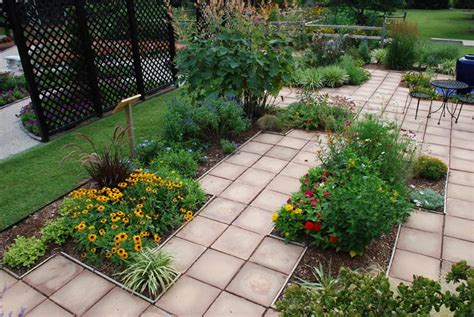 Garden And Patio Designs Patio Garden Ideas Casual Cottage