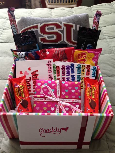 10 Adorable Valentines Day Gifts For by Gift Baskets For Him On S Day Gift Ftempo