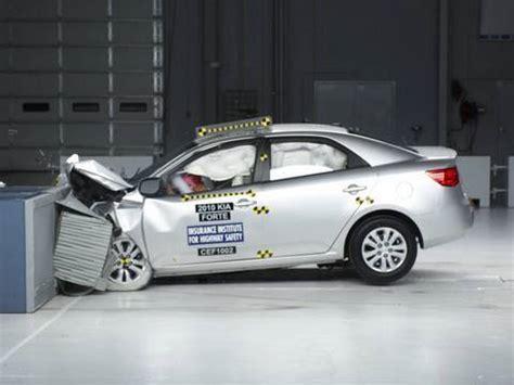 kia forte iihs 2010 kia forte moderate overlap iihs crash test