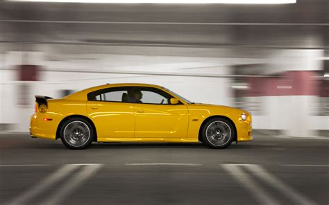 2012 charger srt8 review 2012 dodge charger srt8 bee test review car autos post