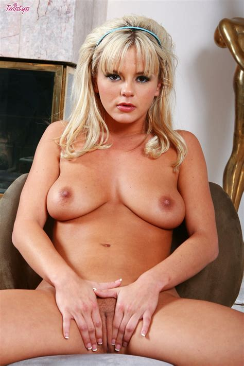 lovely blonde bree olson posing naked in front of the camera my pornstar book