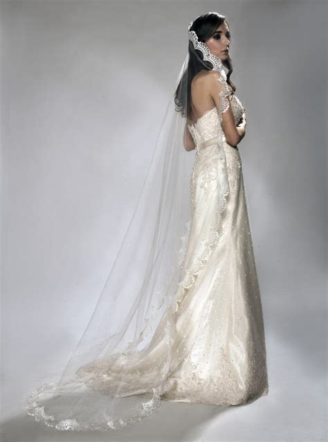 Wedding Dresses Veils by Style Wears Chapel Length Mantilla Style