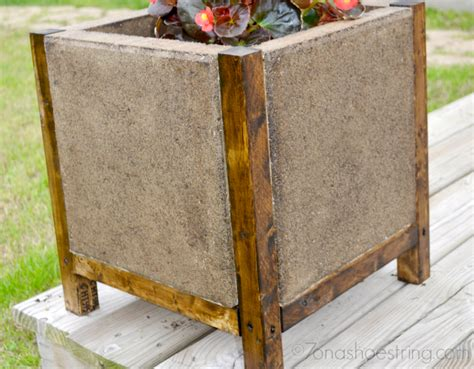 easy diy concrete paver planter